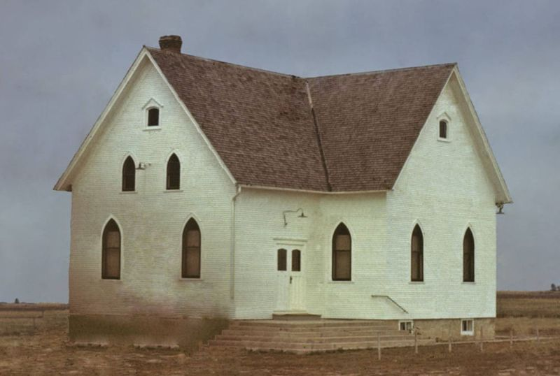 File:SilverLakeMBChurch1948.jpg