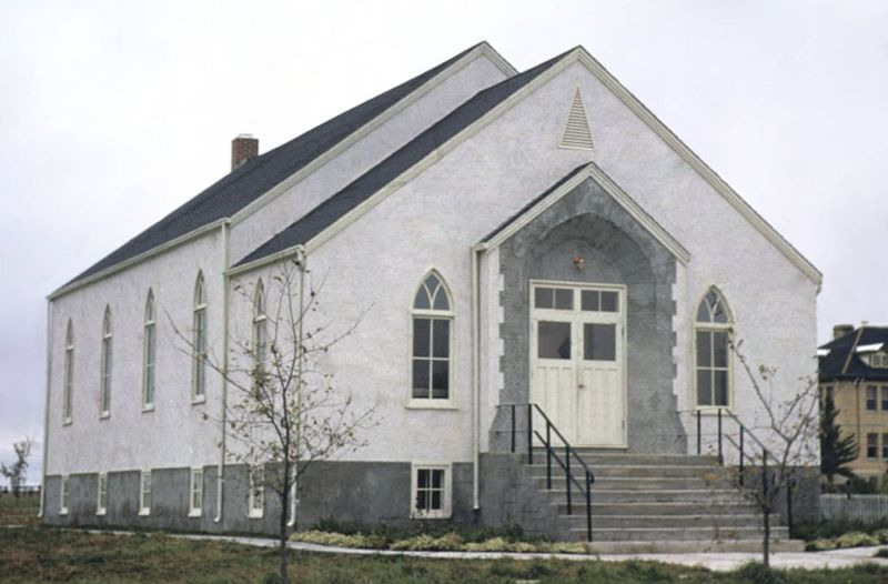 File:ManitouMBChurch1951.jpg